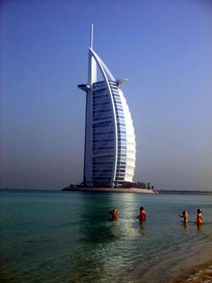アラビア湾から見たバージュ・アル・アラブ アラビア湾から見たバージュ・アル・アラブ 部屋から見た