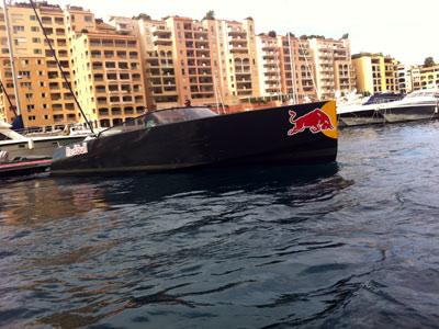 @ Padock tour レッドブルはパドック移動用オリジナルボートも。クリスチャン・ホーナーが乗っていました!